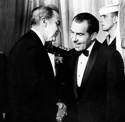 President Richard Nixon Shakes Hands Art Print by Everett