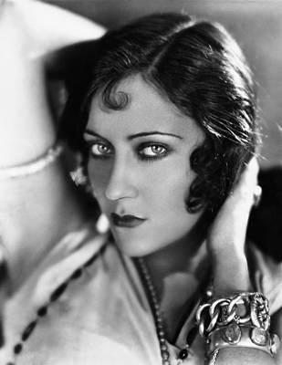 1920s Movies Photograph - Sadie Thompson, Gloria Swanson, 1928 by Everett