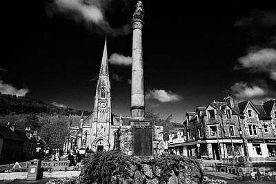 St Kessogs Church Visit Scotland Tourist Centre And War Memorial In Ancaster Square In The Picturesq Art Print