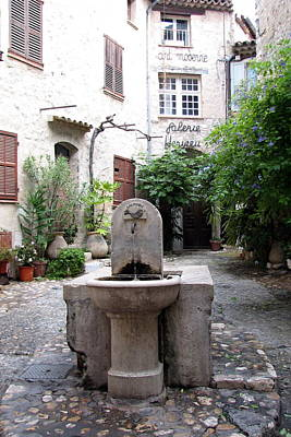 Photograph - St. Paul De Vence Fountain by Carla Parris