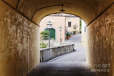 Greve In Chianti Photograph - Street Scene by Jeremy Woodhouse