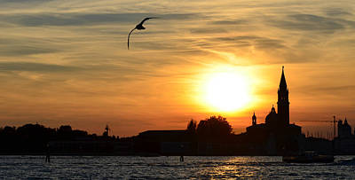Photograph - Sunset In Venice by Barbara Walsh