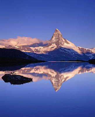 The Matterhorn Reflecting In Lake Art Print by Brian Lawrence