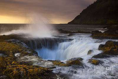 Turbulent Skies Photograph - Thor's Well by Keith Kapple