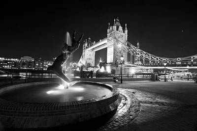 Belfast Bridge Photograph - Tower Bridge Girl With A Dolphin by David French