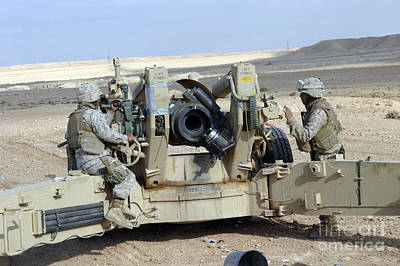 U.s. Marines Prepare To Fire A Howitzer Art Print by Stocktrek Images