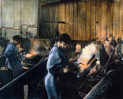 Photograph - World War I: Women Workers by Granger
