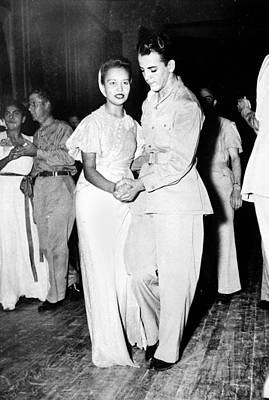 World War II, U.s. Soldiers Dancing Print by Everett