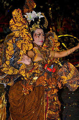 Photograph - Indonesian Dancer by Chua  ChinLeng
