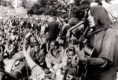 Joan Baez Photograph - 12-2-64 Berkeley, Calif. Folk Singer by Everett