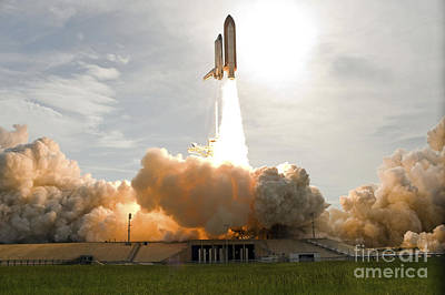 Ov-105 Photograph - Space Shuttle Endeavour Lifts by Stocktrek Images