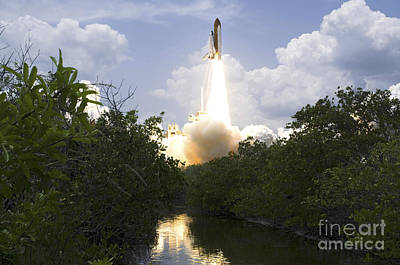 Space Shuttle Atlantis Lifts Art Print by Stocktrek Images