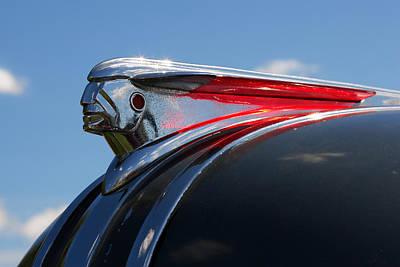 1948 Pontiac Chief Photograph - 1948 Pontiac Silver Streak Hood Ornament by Gordon Dean II