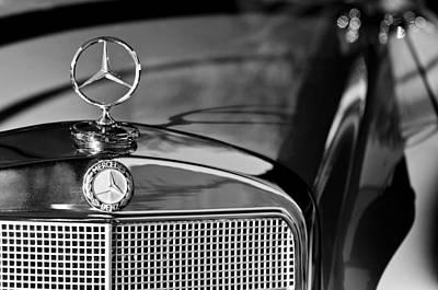 Photograph - 1960 Mercedes-benz 220 Se Convertible 2 by Jill Reger