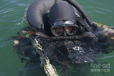 A Navy Seal Combat Swimmer Art Print by Michael Wood