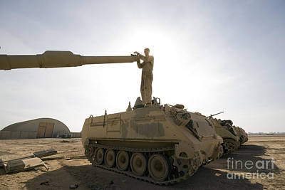 A Us Army Mechanic Uses A M113 Art Print by Terry Moore