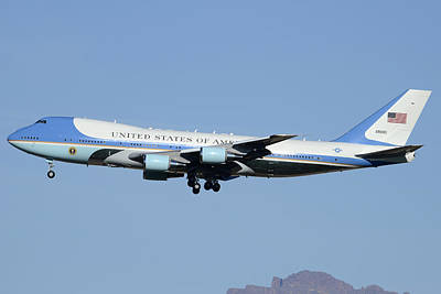 Boeing Vc-25a 82-8000 Air Force One Phoenix-mesa Gateway Airport January 25 2012 Art Print by Brian Lockett