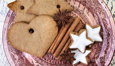 Dessert Photograph - Christmas Gingerbread by Nailia Schwarz