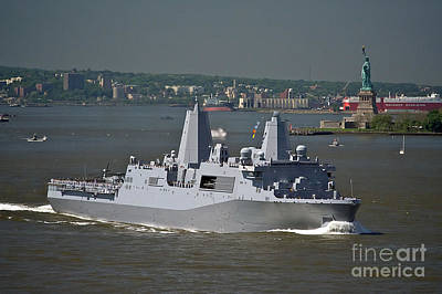 Photograph - Fleet Week 2011 by Tom Callan