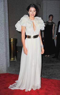 Jessica Biel Wearing A Giambattista Art Print