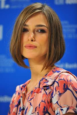 At The Press Conference Photograph - Keira Knightley At The Press Conference by Everett
