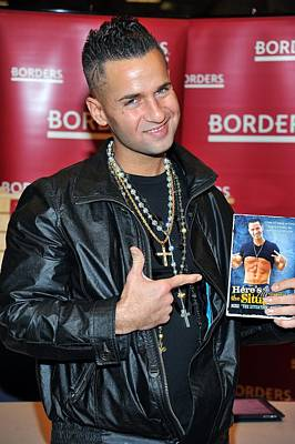 Borders Book Store Penn Plaza Photograph - Mike The Situation Sorrentino by Everett