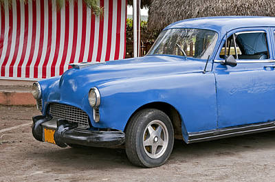 Cuba Photograph - Old Cuban Car. by Fernando Barozza