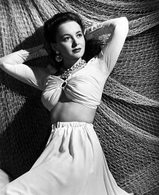 Hands Behind Head Photograph - Olivia De Havilland, 1941 by Everett