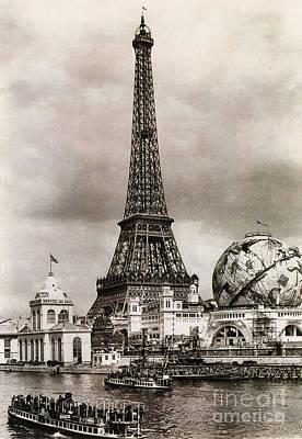 Photograph - Paris Expo, 1900 by Photo Researchers
