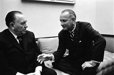 Lyndon Photograph - President Lyndon Johnson Meets by Everett