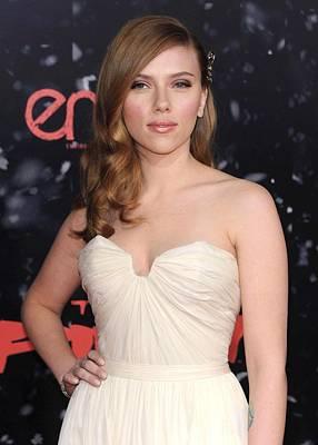 Barrette Photograph - Scarlett Johansson At Arrivals by Everett