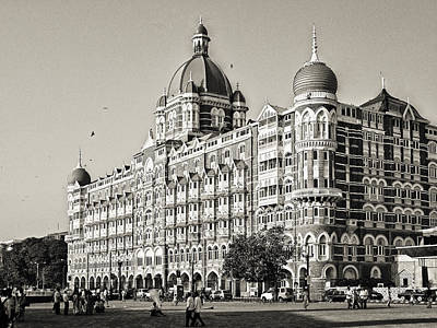 Black Commerce Photograph - The Taj Mahal Palace Hotel by Benjamin Matthijs