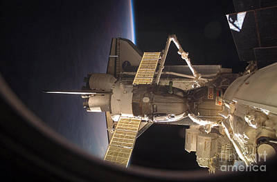 Photograph - Space Shuttle Discovery by Nasa