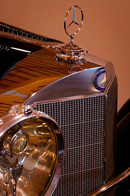 Mercedes Photograph - 1933 Mercedes-benz 380 Ss Roadster Erdmann And Rossi by David Patterson