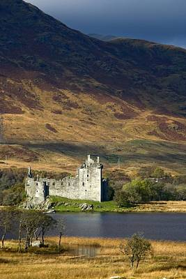 Fourteenth Photograph - Kilchurn Castle, Scotland by John Short