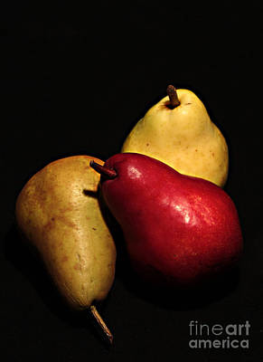 3 Of A Pear Art Print by David Taylor