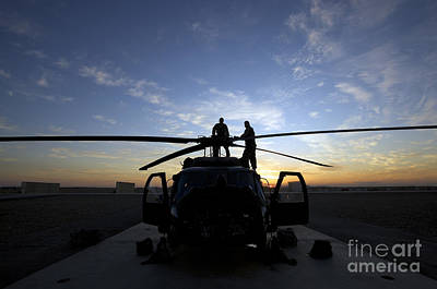 A Uh-60 Black Hawk Helicopter Art Print by Terry Moore