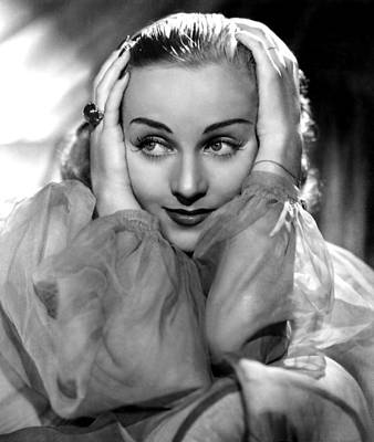 Colbw Photograph - Carole Lombard, Portrait by Everett