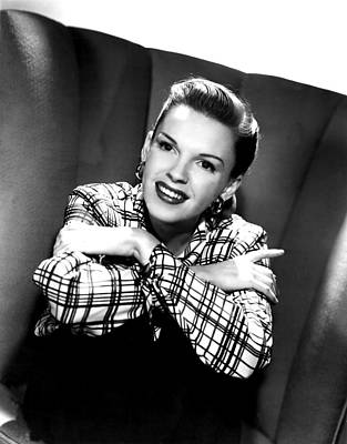 Hoop Earrings Photograph - Judy Garland, Portrait by Everett