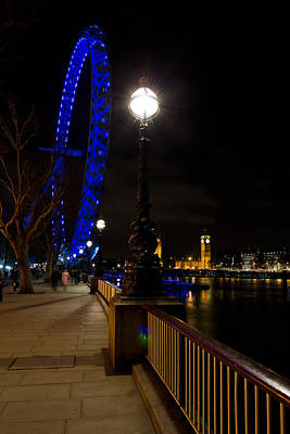 London Eye Night View Art Print by David Pyatt
