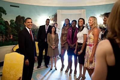 President Barack Obama Meets Art Print by Everett