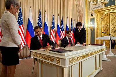 President Obama And Russian President Art Print by Everett