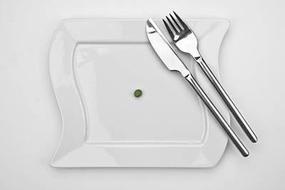 Tableware Photograph - The Pea by Joana Kruse