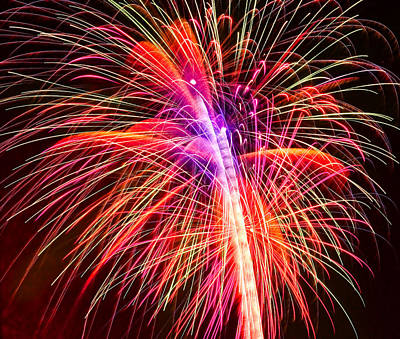 Photograph - 4th Of July - Independence Day Fireworks by Gordon Dean II