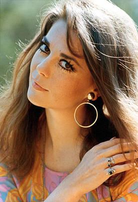 Hoop Earrings Photograph - Natalie Wood by Everett