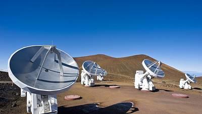 Submilllimeter Array Telescopes, Hawaii Art Print by David Nunuk