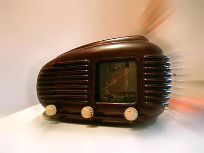 Photograph - 50's Radio by Alessandro Della Pietra