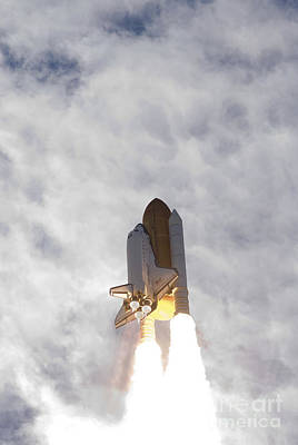 Space Shuttle Atlantis Lifts Art Print by Stocktrek Images