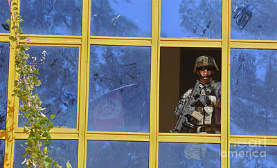Edward Hopper - U.s. Army Soldier Provides Security by Stocktrek Images