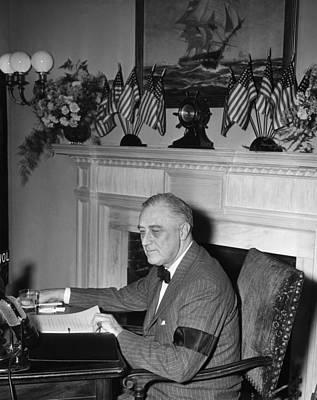 Armband Photograph - President Franklin D. Roosevelt by Everett
